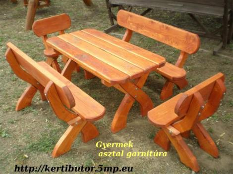 sör padok székek asztalok